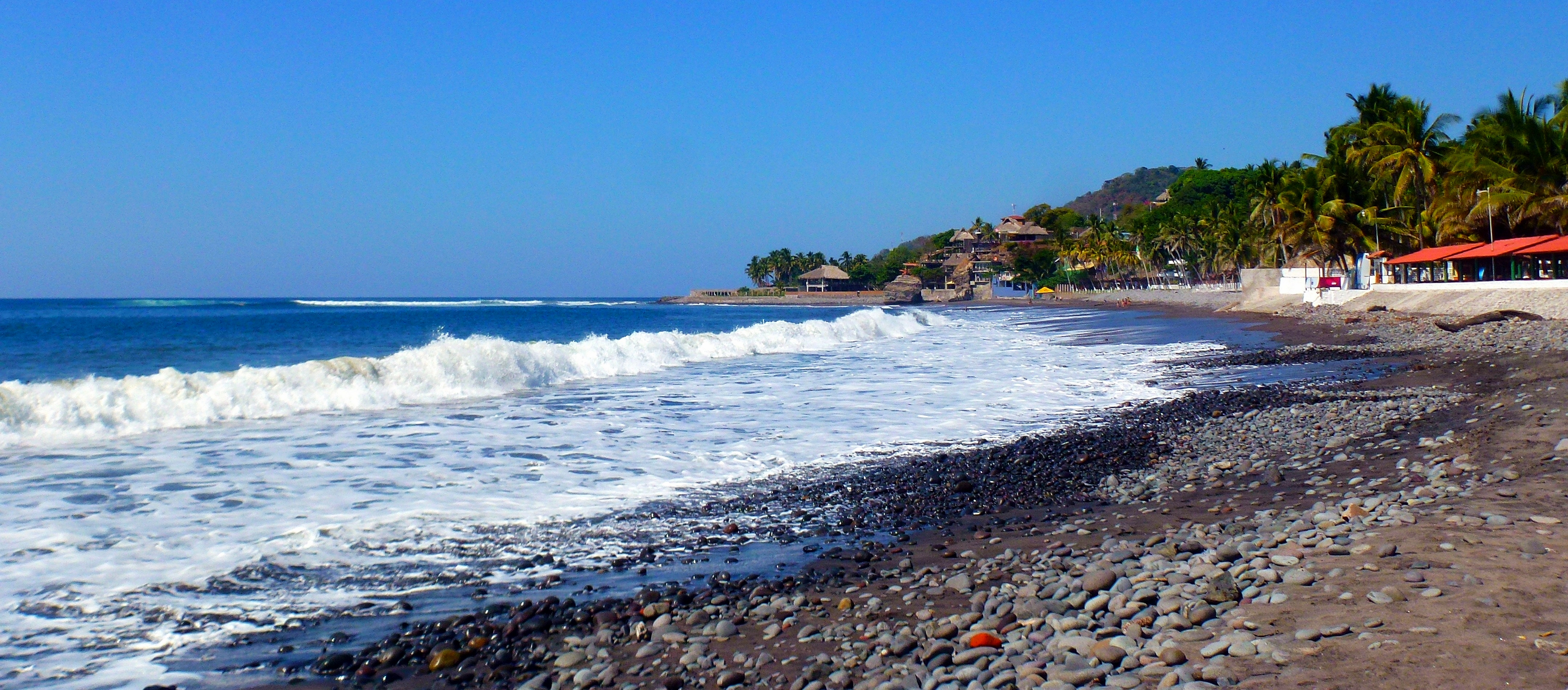El Salvador – Vibrant Art Scenes & Laid-back Surf Beaches